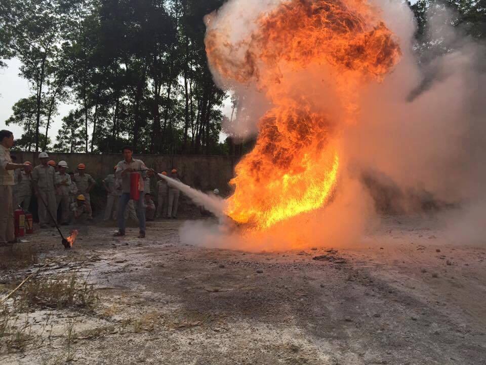 Huấn luyện nghiệp vụ Phòng cháy chữa cháy